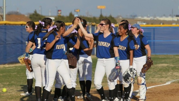 Softball Celebrates Renovated Stadium, Beats State-Ranked Canyon