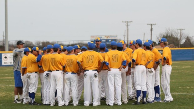 TIger Baseball Fights Back, Beats Coronado