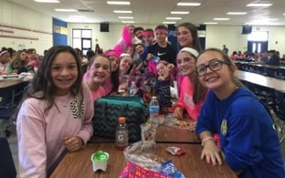 FMS Students Show Support During PINKtober