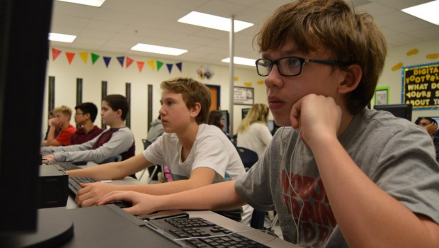 "FISD Students Participate in ""Hour of Code"""