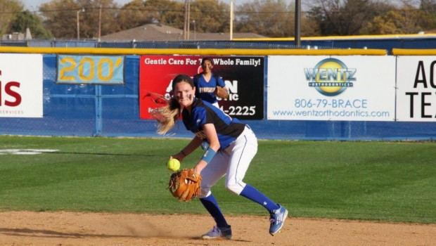 Tiger Softball Opens District With 12-4 Win Versus Monterey