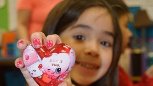 Staff and Students Show Love at Frenship ISD