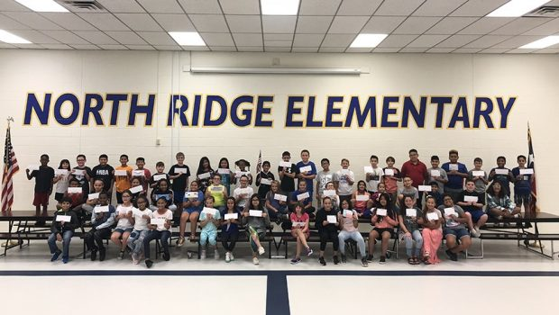 North Ridge Students Write Letters to Veterans
