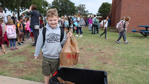 Bennett Elementary Takes Unique Approach with Food Drive