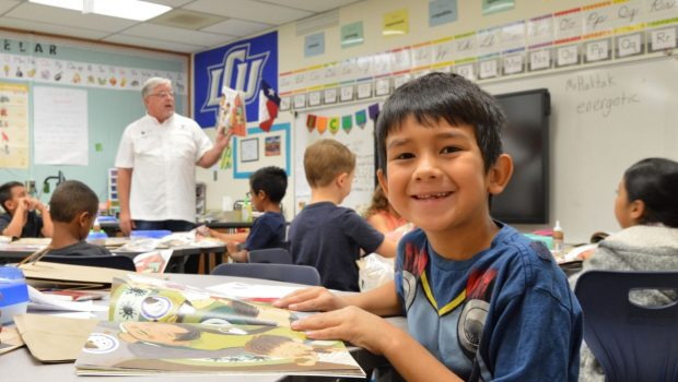 """Photo Gallery: Frenship ISD Second Graders Participate in """"United We Read"""""""