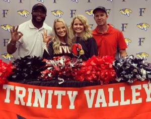 robinette signs to cheer at trinity